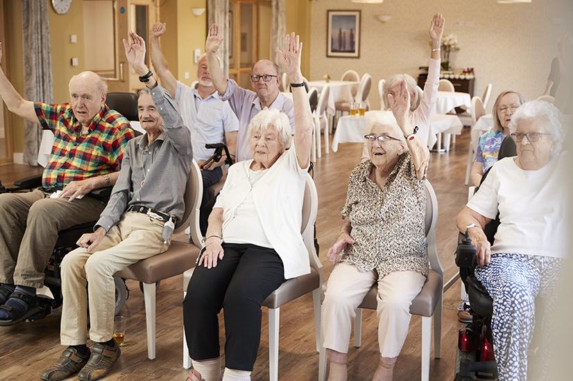 Socializarea asigură un bun echilibru psihic bătrânilor