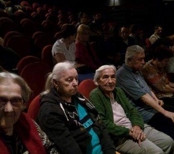 Deplasare la teatru